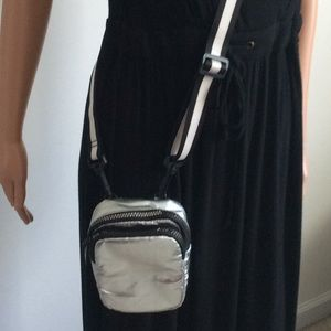 Silver Metallic Cross Shoulder bag